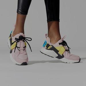 Women's Nike Air Huarache City Low